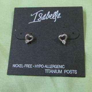 Heart shaped ear ring (Brand New)