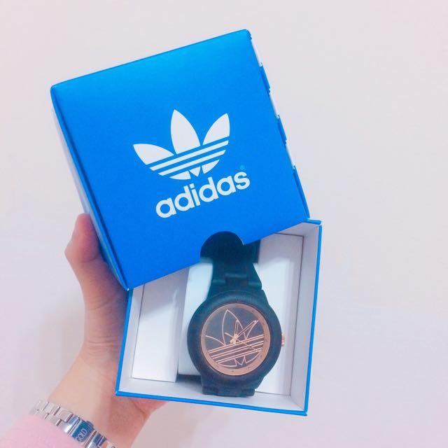 愛迪達手錶