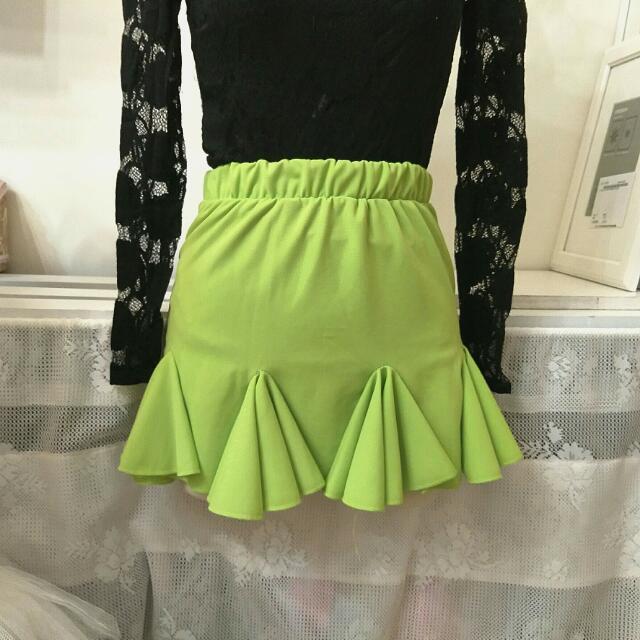 正韓👀👻螢光綠擺則短裙