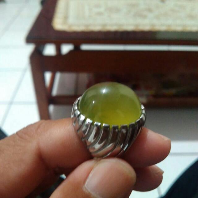 Batu Pucuk Pisang Aceh Kristal