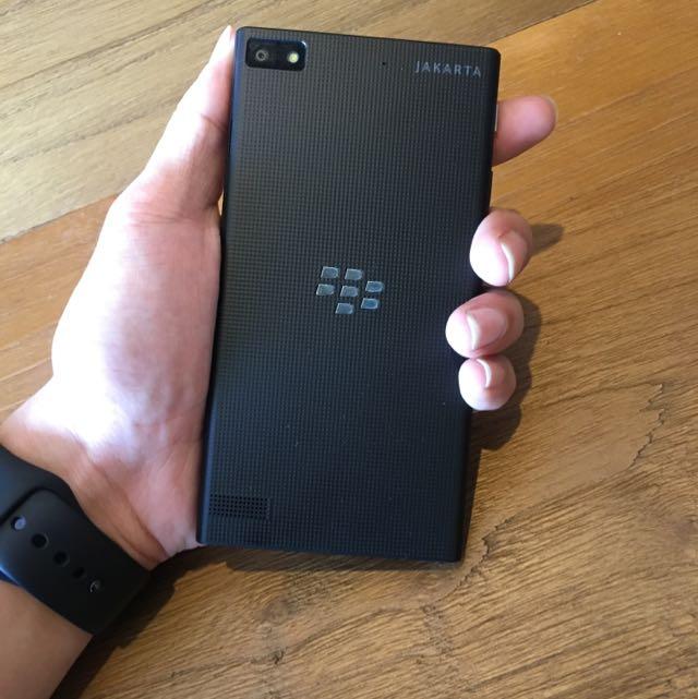 Blackberry Z3 Jakarta Limited Editio