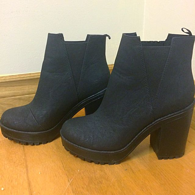 H&M Chunky Boots Size 7