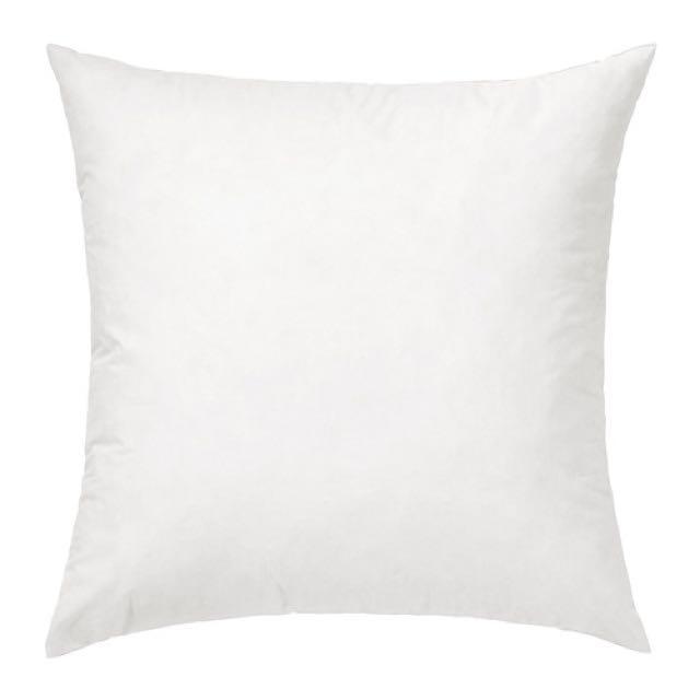 IKEA 羽毛抱枕