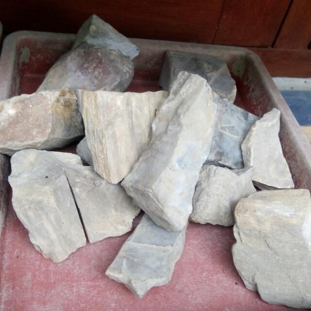 Raw Material For Gemstones