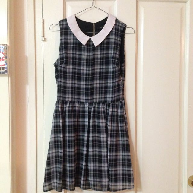 Size Small Tartan Collar Dress