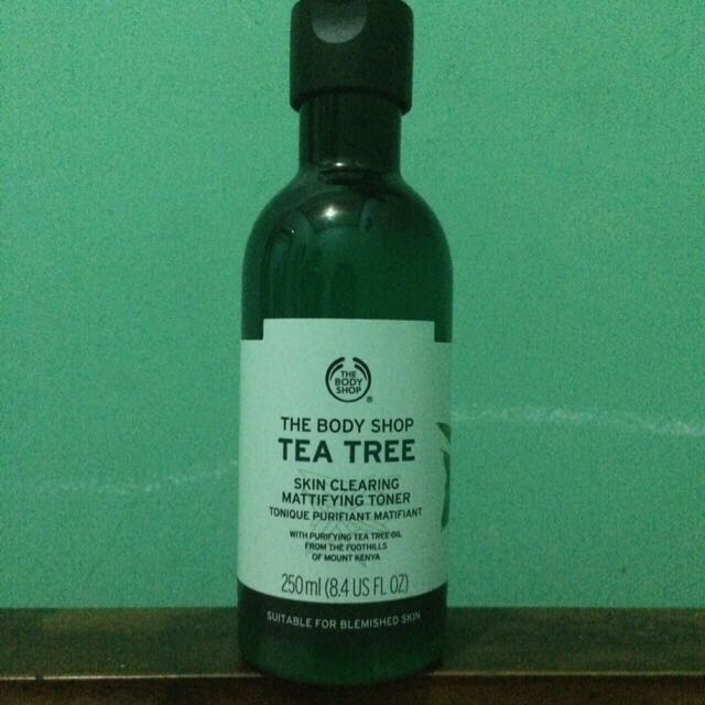 The Body Shop Tea Tree - Skin Clearing Mattifying Toner