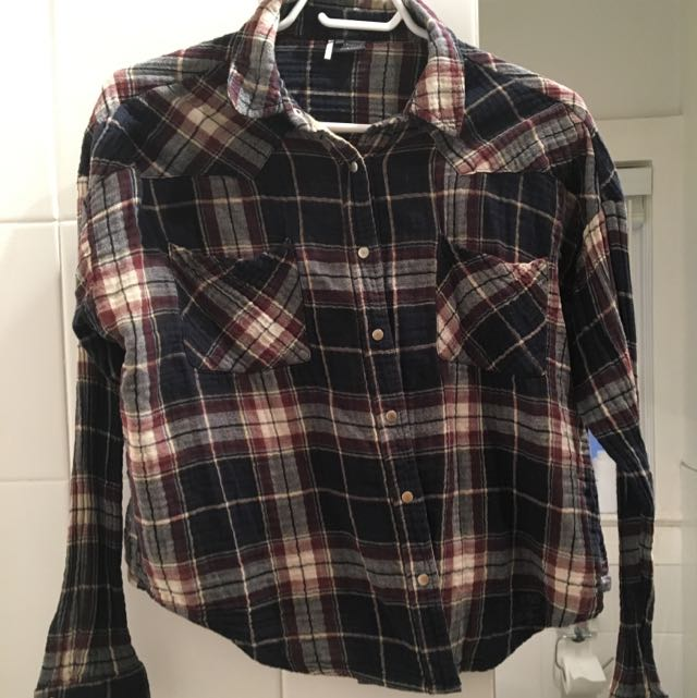 UO Cropped Flannel- Size Med.