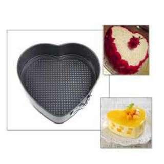 SPRINGFORM HEART PAN