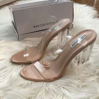 Yeszy Style Clear Heel Size 8 (small Make)