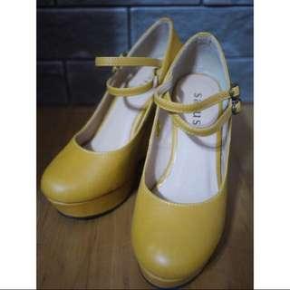 「尋找有緣人」二手;圓頭楔形鞋👠*芥末黃