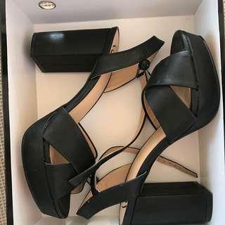 High Heels BRAND NEW