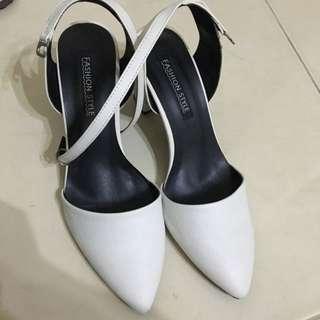 尖頭鞋37號