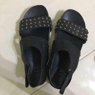 涼鞋37號