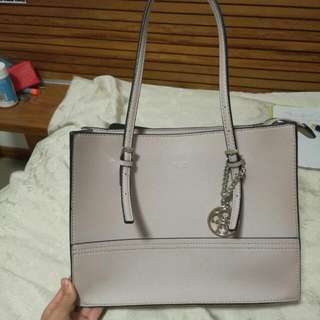 Guess Nude Pink Tote