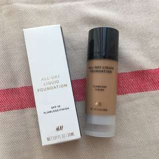 H&M All Day Liquid Foundation
