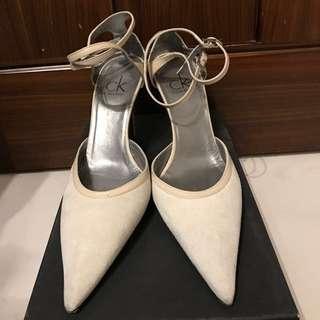 👠Calvin Klein 米白色 䴟皮 高跟鞋 Suede High Heels