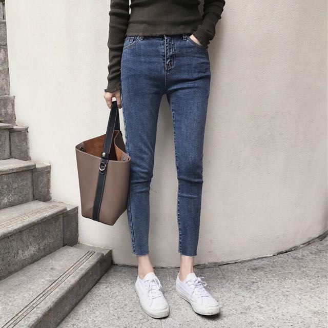基本款顯瘦牛仔褲