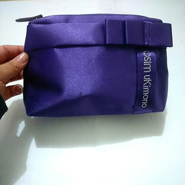 紫色緞面化妝包