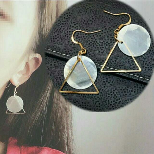 現貨*韓國百搭簡約三角形耳環