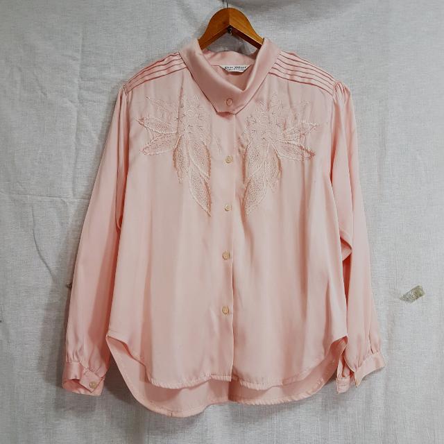 【超狂小阿姨】絕美繡花櫻花粉絲質襯衫 #運費我來出