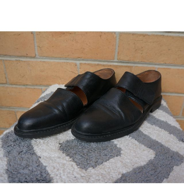 black leather oxford flat shoes