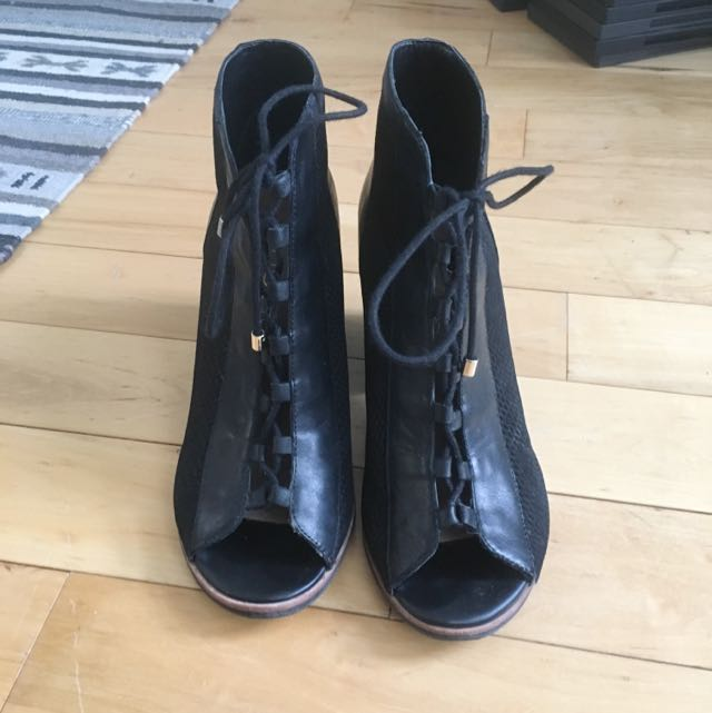 Black Strap-Up Heel Sandals