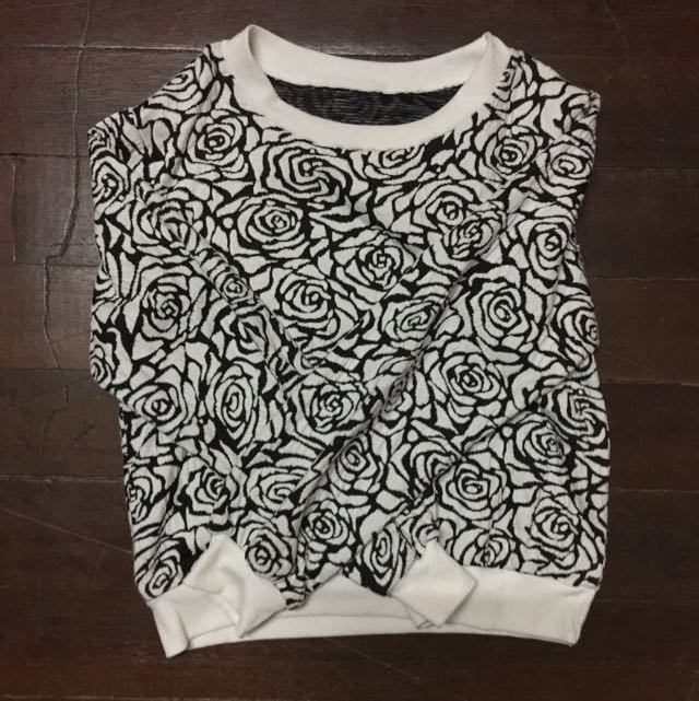 Black&white Rose Crop Top