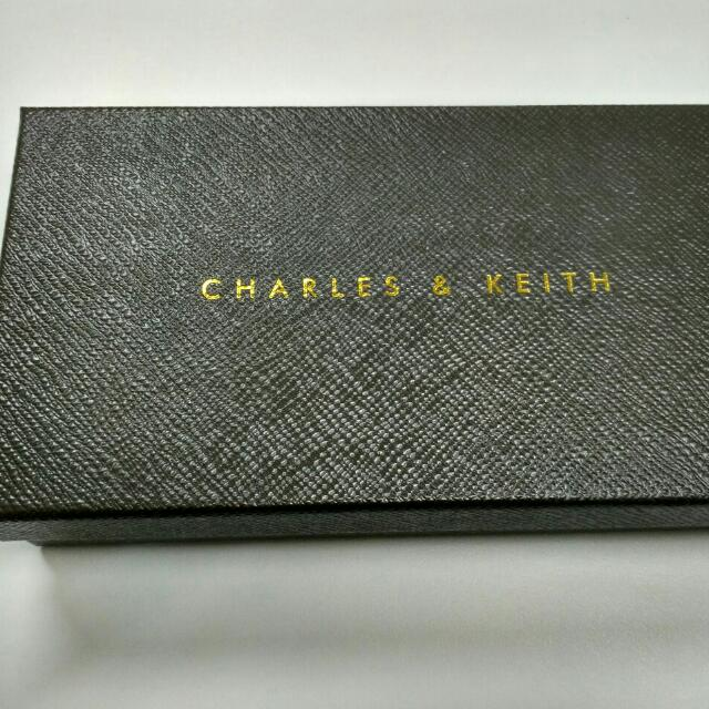 Charles & Keith black Purse (fixed Price)