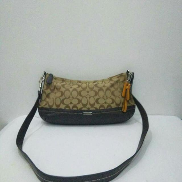 9c48953b79 Coach Sling Bag Authentic Preowned