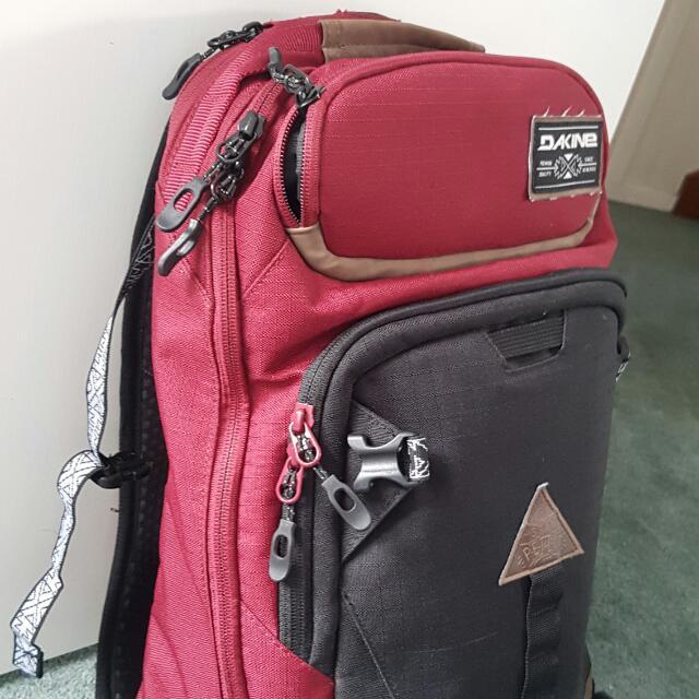 Dakine 20L Back Pack