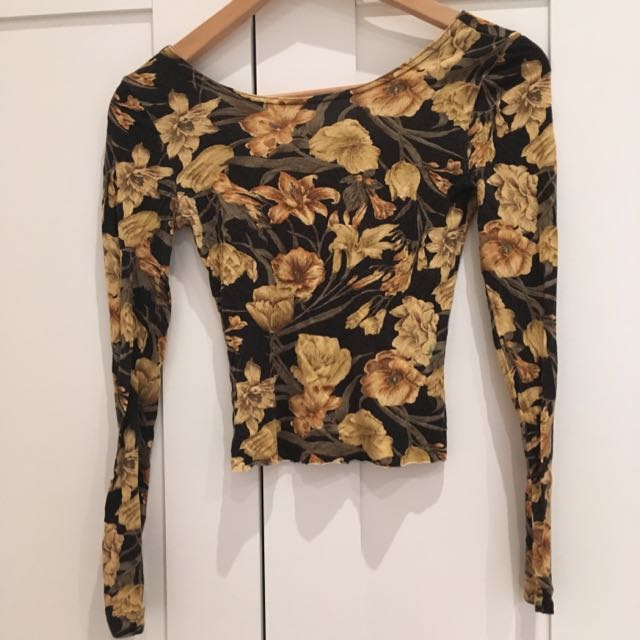 Floral Long Sleeve Cropped Tee