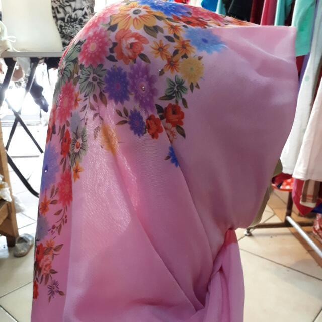 Kerudung Segi Empat Printing/Hijab Segi Empat, Olshop Fashion, Olshop Muslim on Carousell