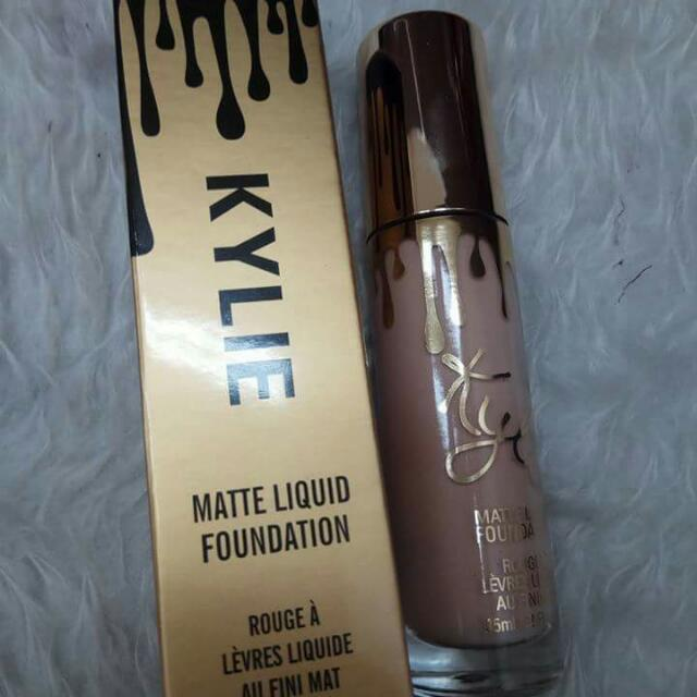 Kylie Liquid Foundation