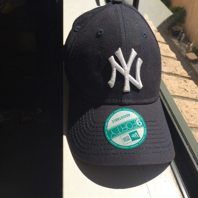 New York Baseball Cap, Snap Back Black