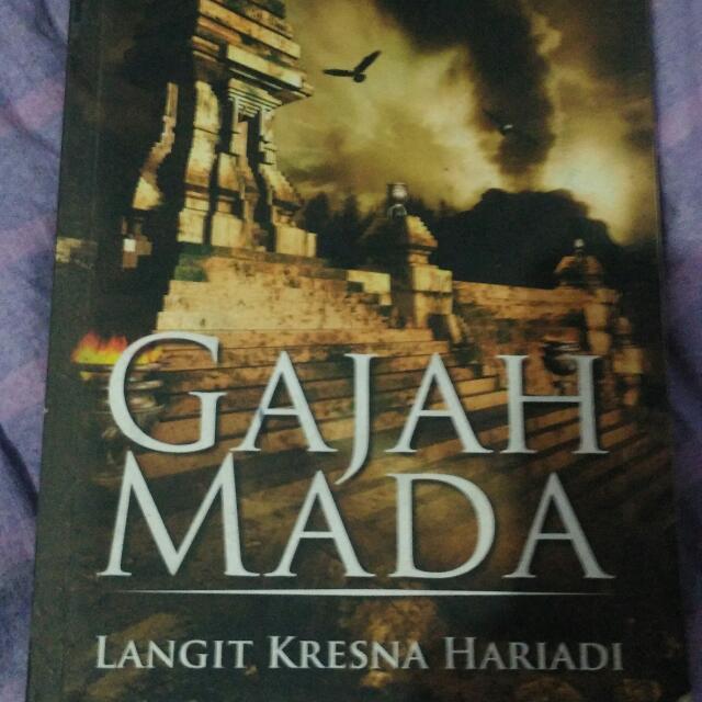 Novel Trilogi Gajah Mada