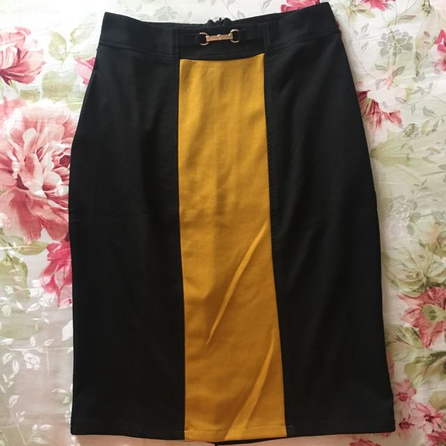 REPRICED!! Preloved Winod Pencil Skirt