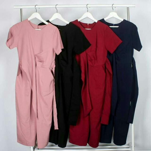 Premium Tiffani Jumpsuit IDR 150,000 Available in Pink Black Maroon Navy Material: woolpeach  Fit to LD : 88cm  LP : 76cm  Length : 114cm
