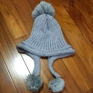 灰色球球護耳毛帽