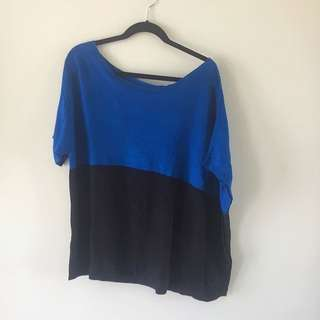Off The Shoulder DKNY M/L