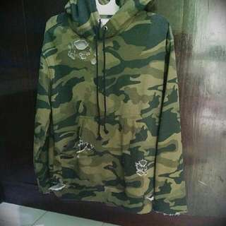 Hoodie Pull-over Camo Distressed.