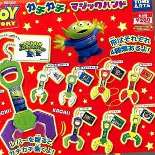 玩具總動員夾子扭蛋-重複扭到便宜賣-巴斯-胡迪-剛扭到僅貼了貼紙