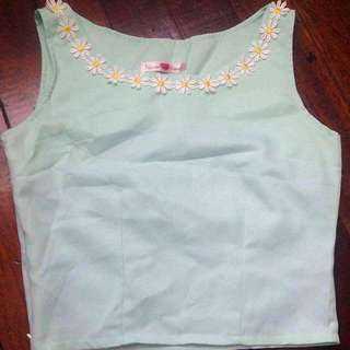 daisy collared crop top 🌸