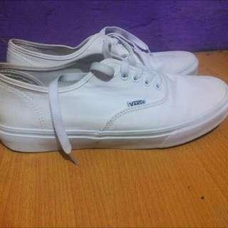 preloved VANS authentic full white