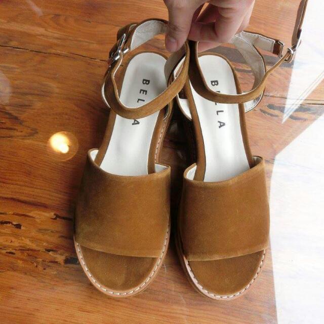 棕色百搭涼鞋(尺寸39/24.5)