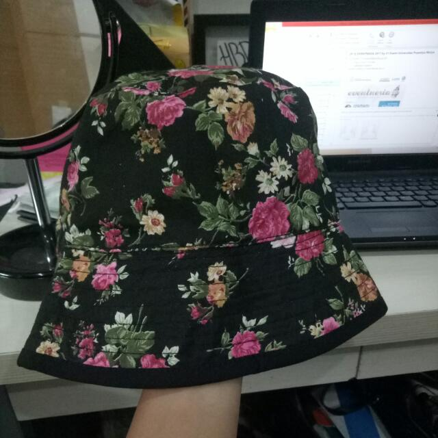 bucket hat flowery