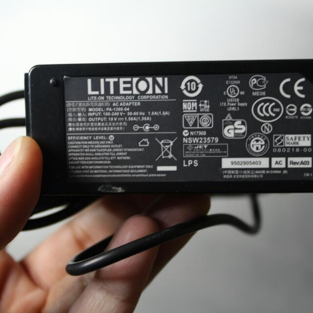 Genuine Liteon Acer Aspire One Mini Charger Pa-1300-04 19V Ac Power Adapter U 104