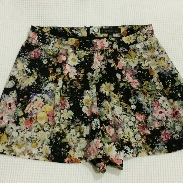 FOREVER NEW High Waisted Floral Shorts