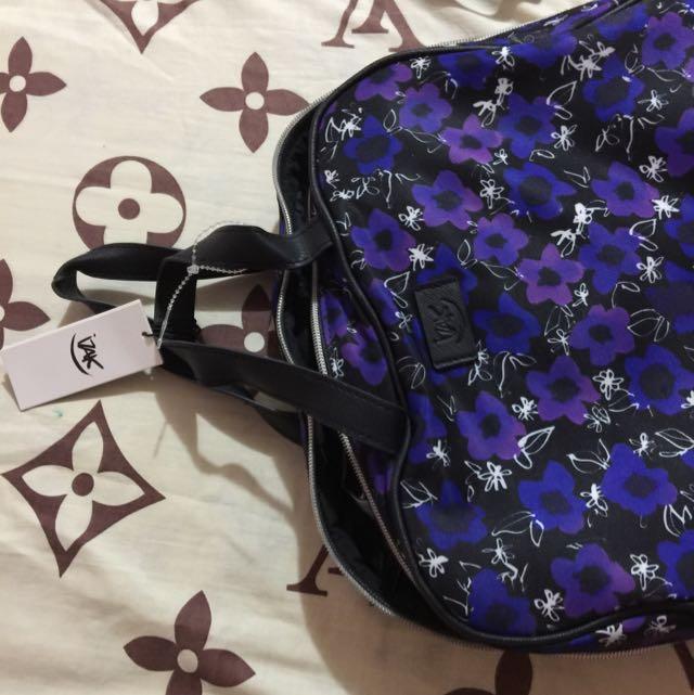 Isak Makeup Bag
