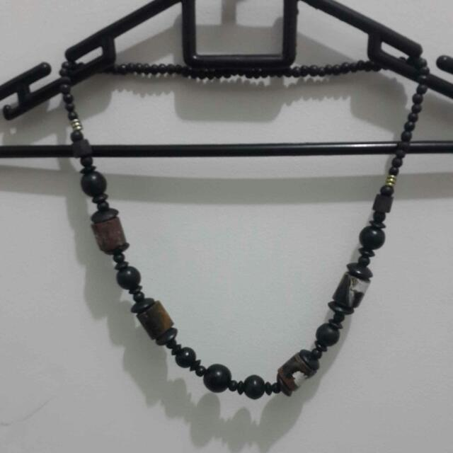 Kalung Kayu Motif Cat Abstract