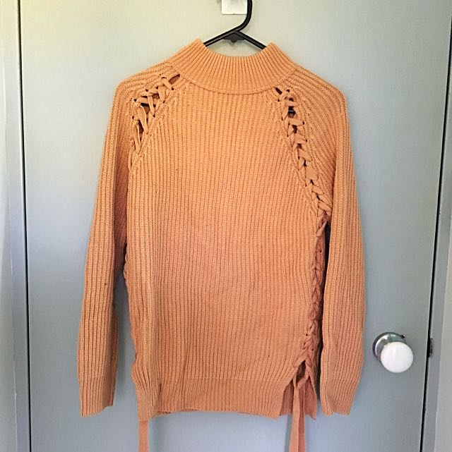 Knitted Top From Dissh